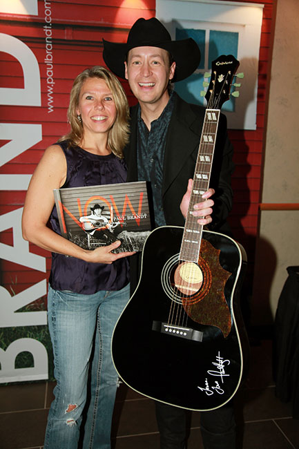 Paul Brandt Gives Away Epiphone Guitars On Tour