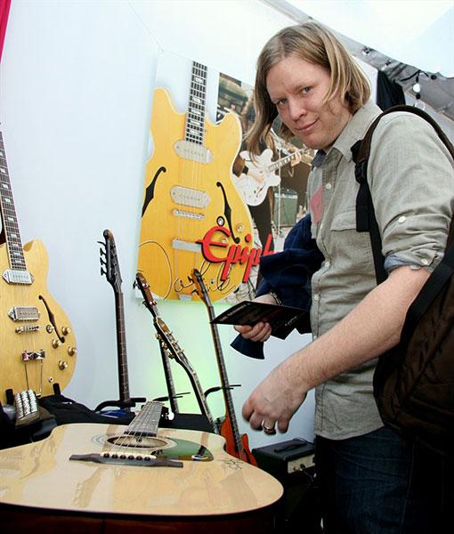 Kingsbury tim biography for Arcade fire miroir noir watch online