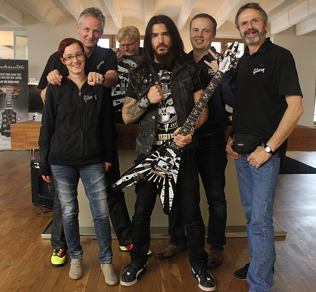 Robb Flynn Visits Epiphone Showroom in Berlin
