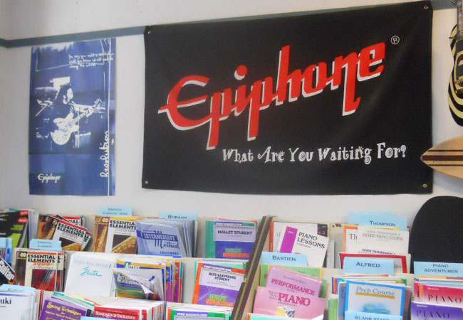 Epiphone Sponsors Backyard Bash at Limelite Music