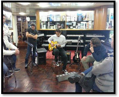 Nido Dei Suoni in Salerno, Italy Hosts Epiphone Les Paul Day