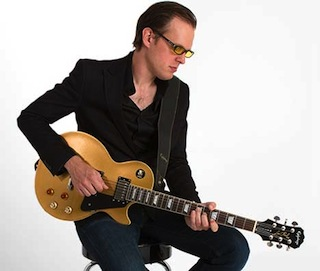 Joe Bonamassa with his Epiphone Les Paul Goldtop