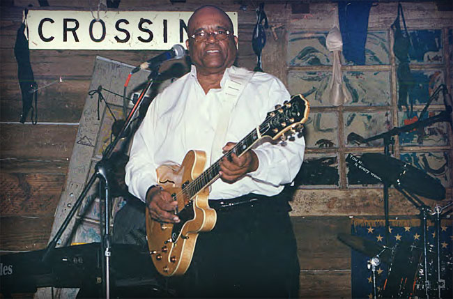 Blues Artist Roy Gaines and his Epiphone Sheraton-II