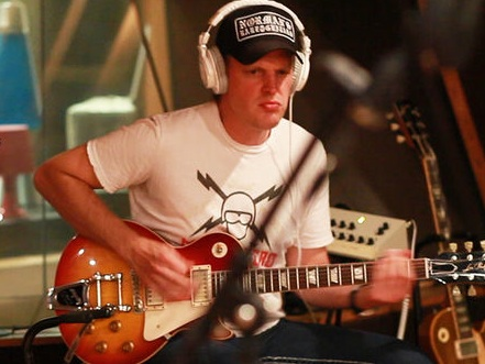 Joe Bonamassa and his Epiphone Les Paul