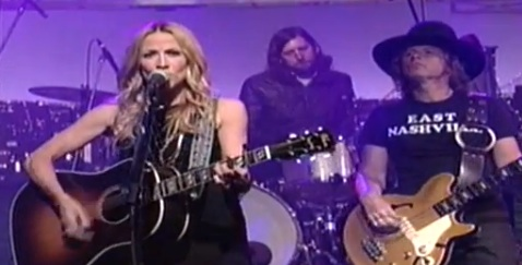 Sheryl Crow Comes Home to Country