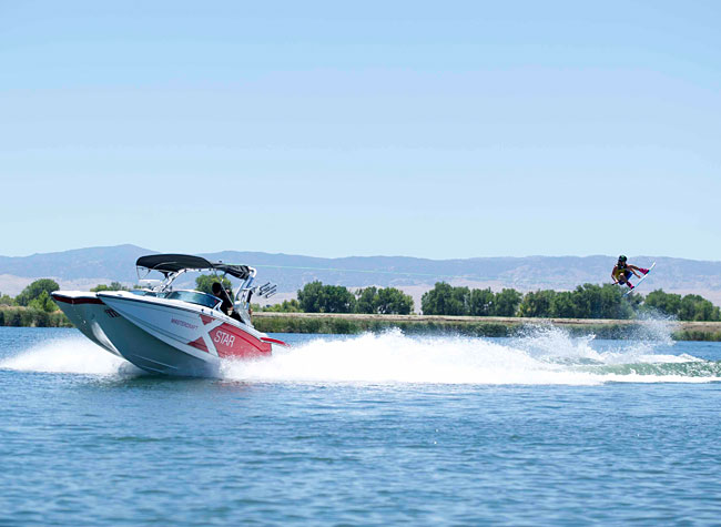 Epiphone Sponsors 2014 Pro Wakeboard Tour
