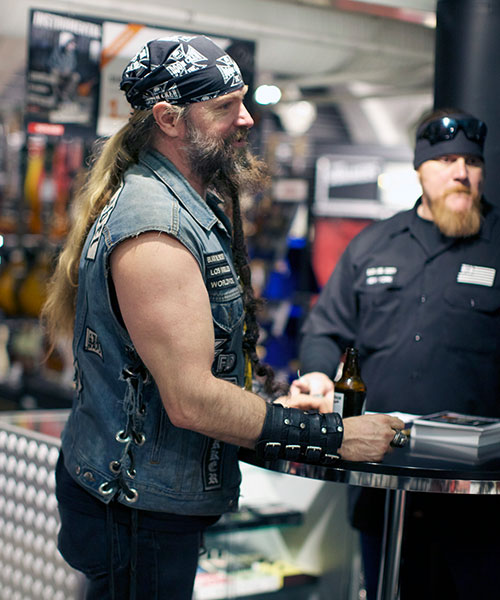 Zakk Wylde Visits 4Sound Music in Oslo