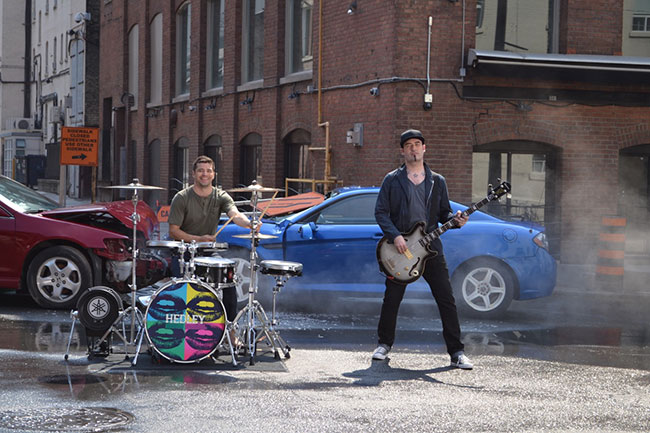 Tom MacDonald Reveals The Jack Casady Silverburst in New Hedley Video