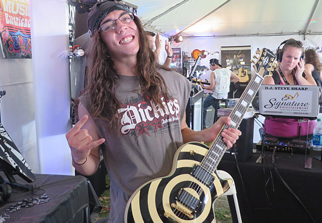Epiphone Rock's Crazy Dave's Music Experience at Aftershock 2013