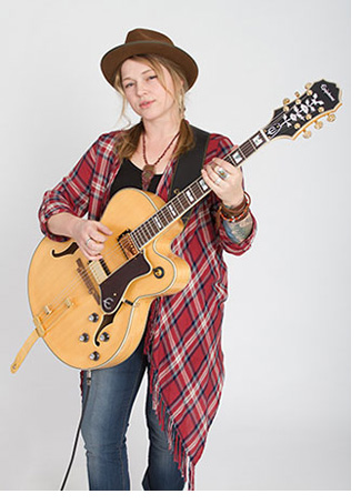 Crystal Bowersox in Concert - Jul 27, 2019